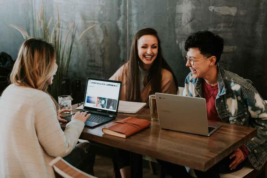 Öğrenciler için internetten Para Kazanma Yolları | Garanti 4 Yöntem